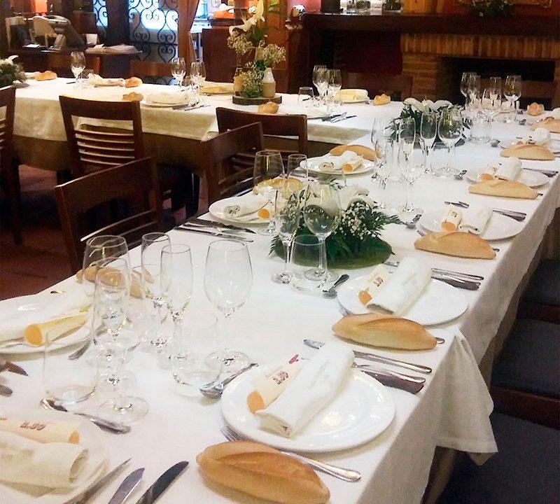Mesa para comunión en Mesón Castellano Tudela de Duero