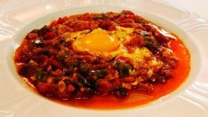 Pisto con huevo frito Mesón Castellano 239 en Tudela de Duero